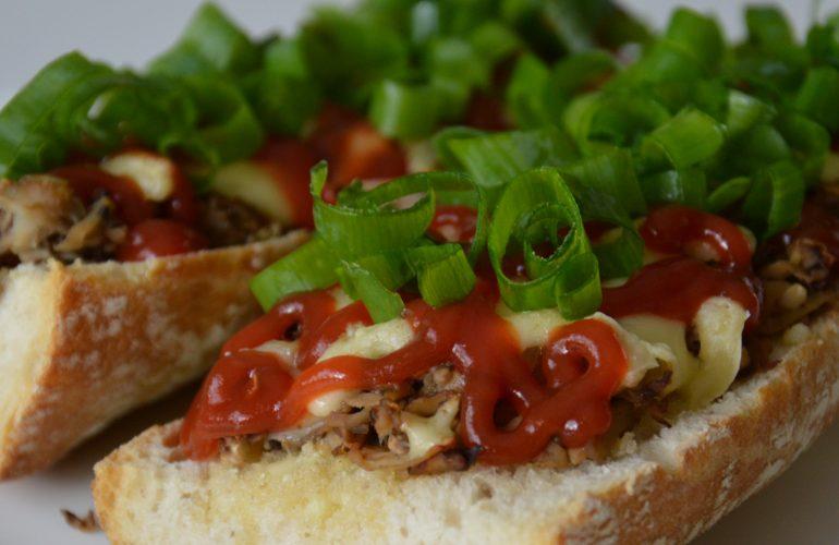 Zapiekanki - polish toasted baguette