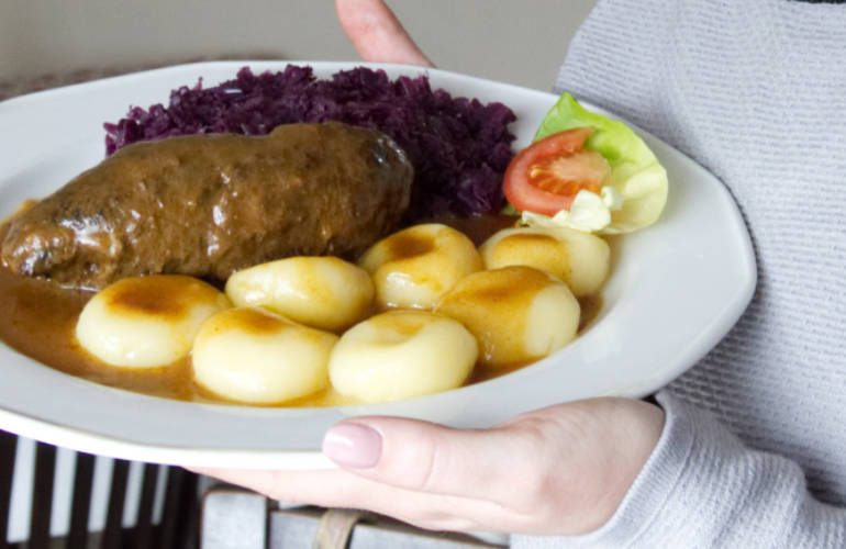 What to eat in Poland - Traditional Silasian Roulade