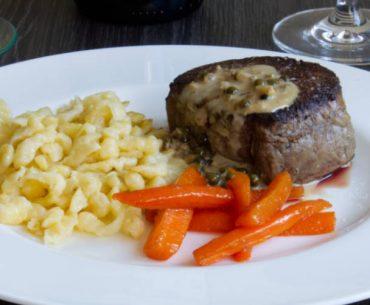 main peppercorn steak