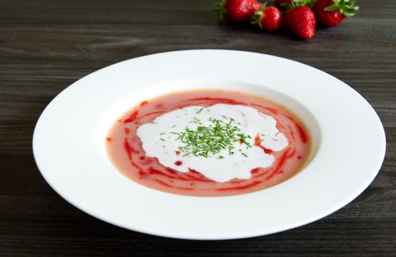 Fancy White Asparagus & Strawberry Soup